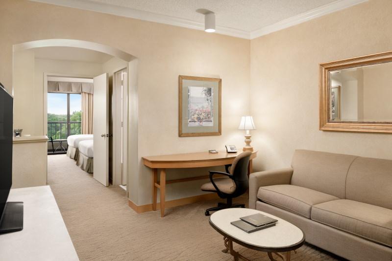Hilton-Suites-Boca-Raton-LARGE-02